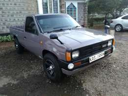 Nissan Datsun.720k.In mint condition.New Yana and alloy wheels.