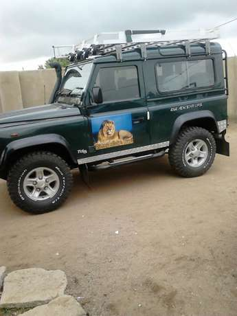 Land rover 2005 defender4x4 in a special condition for u Benoni - image 1