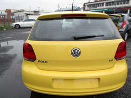 A Vw polo 6 1.4 trendline, 2015 Model, 91000km, yellow in color, 4-doo