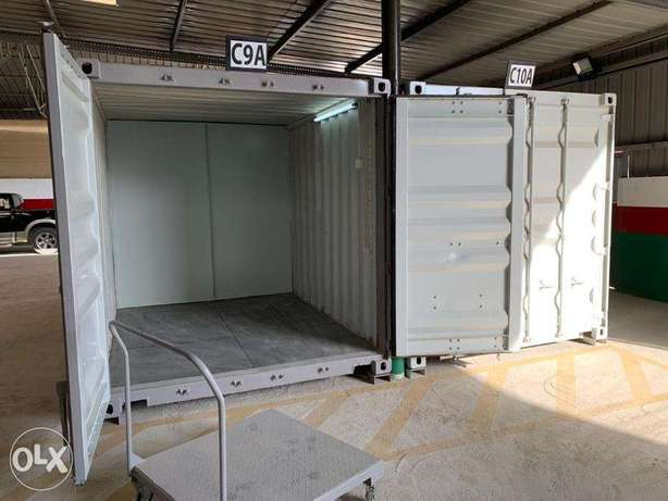 Storage 20 Feet Secured Shipping Containers for Monthly rentals