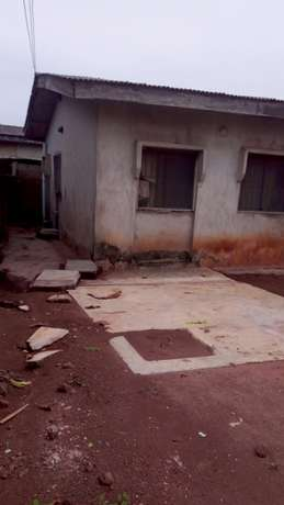 For Sales:Decent 3 bedroom's flat bungalow at Sango toll gate Lagos Mainland - image 3