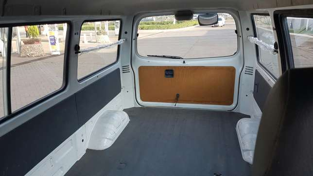 Mazda bongo single rear wheel 2009 quick sale not locally used Nairobi CBD - image 6