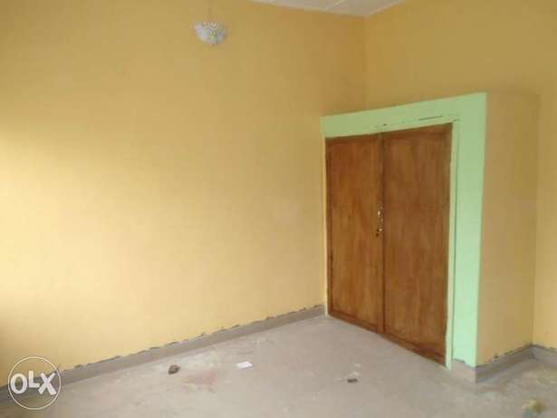 A well finished 1 bedroom flat at Rumunduru by culvert junction Port-Harcourt - image 3