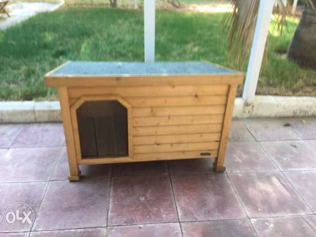 Dog or cat outdoor wooden house