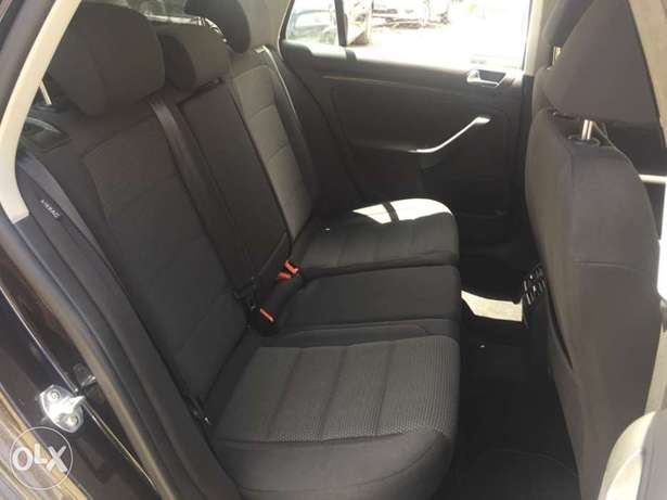 2010 Volkswagen Golf For Sale!!! South B - image 6