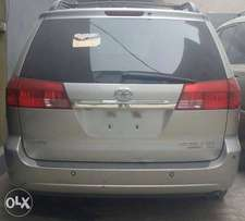 2005 Model Toyota Sienna DVD Navigation Full Option