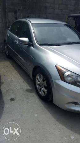 2011 Clean registered Honda Accord with leather seats available 2.3M Obalende - image 7