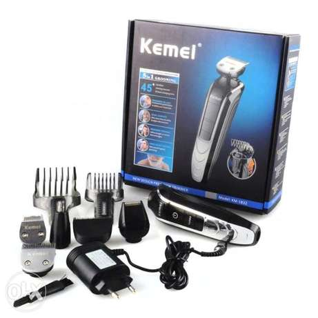 KEMEI KM-1832 5-IN-1 Rechargeable Electric Shaver Groomer Trimmer Hair