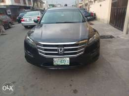 2010 model Honda crosstour naija used