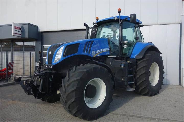 New Holland T8.330 Ultracommand 50km - 2012