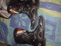 moterbike boots and gloves for sale
