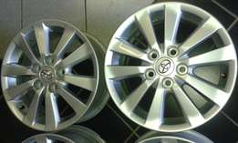 Toyota corolla original set of Mags 5x 114.3 with New tyres