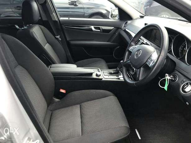 mercedez benz C200 of year 2011 for sale from a yard in Japan Utawala - image 3