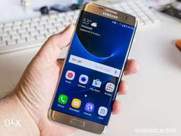 Samsung S7 Edge.Clean with accessories