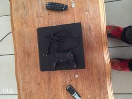 PlayStation 4 500gb one controller