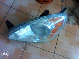 Honda crv year 2002-yr04 left headlight