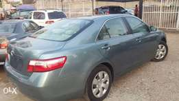 Toyota Camry Le 2007 super clean