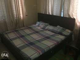 6x6 king sized bed with 2 side drawers