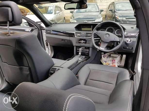 Mercedes E250, Sunroof, Full Leather, Triptronic, etc Nairobi CBD - image 4