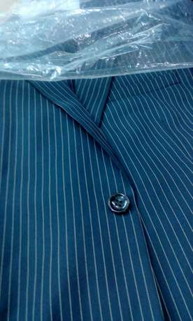 Stripped suits, black and navy blue, all sizes. FREE DELIVERY. Nairobi CBD - image 4