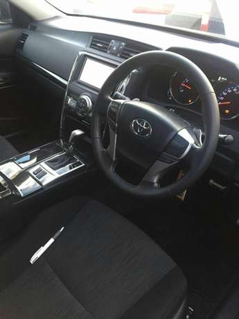 Toyota Markx new shape 2010 with sunroof for sale Hurlingham - image 4