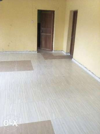 Nicely built 3 Bed Room flat to let Ibadan South West - image 1