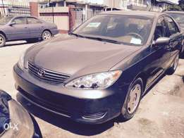 Toks 2005 Toyota Camry LE