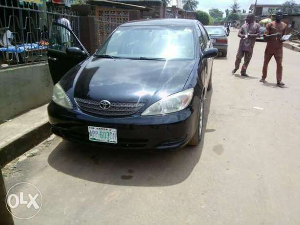 Toyota Camry Bade - image 1