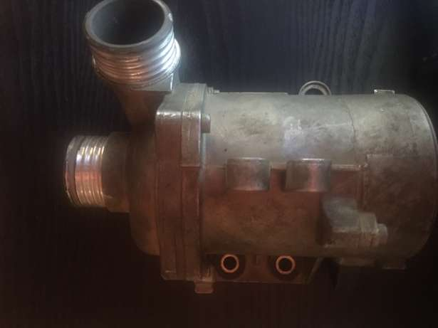 bmw 325i water pump and thermostat for sale Witbank - image 2