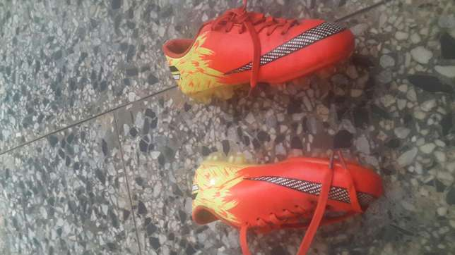 Uk used twin football boots seize 36 Ibadan South West - image 3