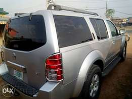 Extremely Clean-super healthy Nissan Pathfinder 2006 model