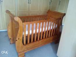 Solid pine sleight cot