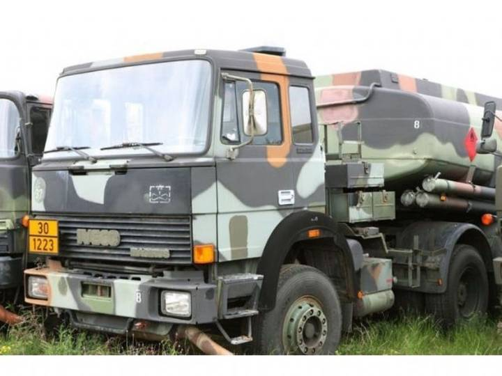 Iveco-Magirus 220 32 24.000L tankwagen