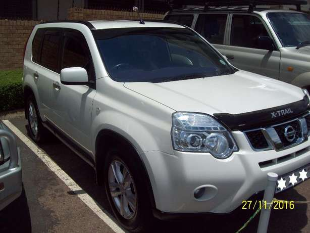 2012 Nissan X-Trail 2.5 SE 4X4 , 6 Speed Manual Pretoria - image 2
