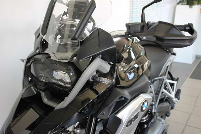 BMW R1200GS LC Triple Black Special Edition (Assistance) Bloemfontein - image 3
