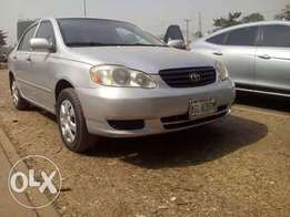 A very sharp and clean Nigerian use Toyota corolla