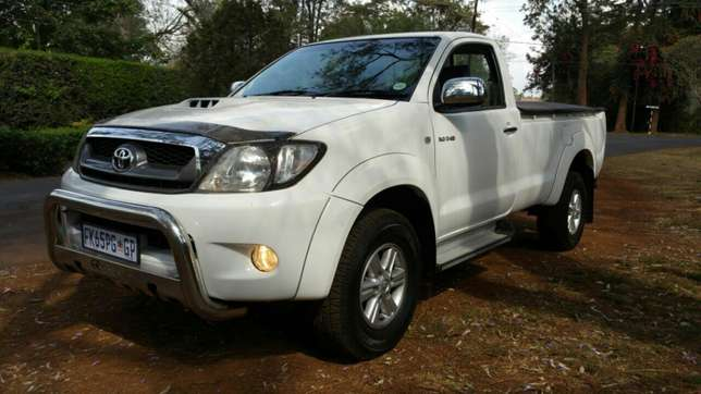 Toyota Hilux Raider 4X4 Sports Package KCK Parklands - image 2