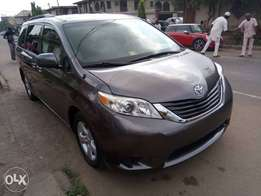 Toyota Sienna 2011 Model Lagos Clear Perfectly Condition Very Clean