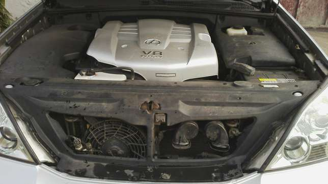 Nigerian used toyota Lexus first body very clean Agege - image 8