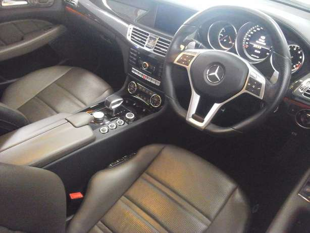 2012 Mercedes Benz CLS 63 AMG V8 Bi-Turbo Salt River - image 6