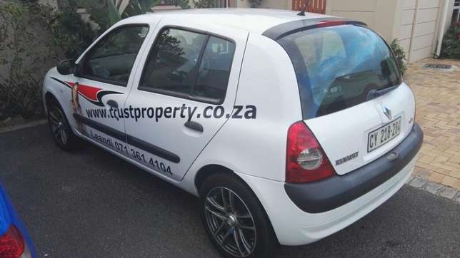 White 2006 Renault Clio for Sale!! Table View - image 4