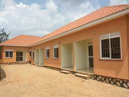 New sitting room and bedroom for rent in Mengo at 400k