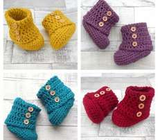 Lovely unisex baby booties