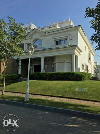 Amazing Villa in mountain view 1- middle in compound - best price
