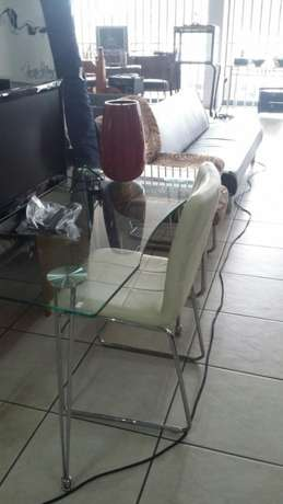 Glass and chrome desk with chair Benoni - image 2