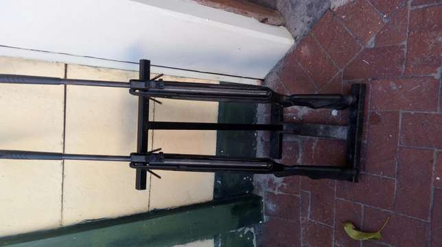 2 Air rifles with stand Table View - image 1