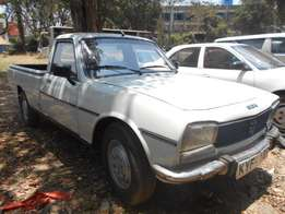 Peugeot 504 pickup in very good condition, 5 speed, accident free
