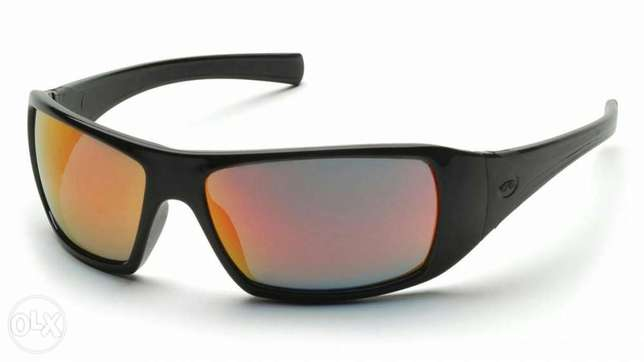 For sale pyramex goliath safety glasses