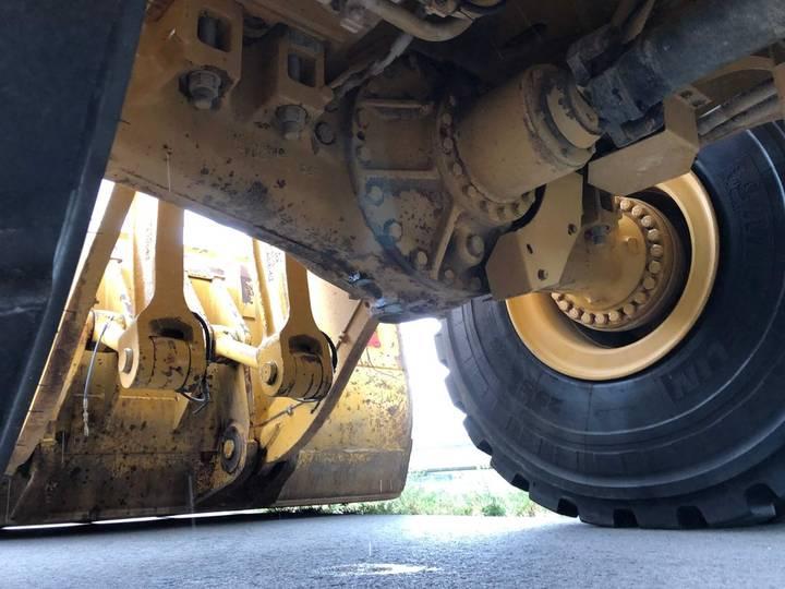 Caterpillar 980K wheel loader - 2013 - image 12
