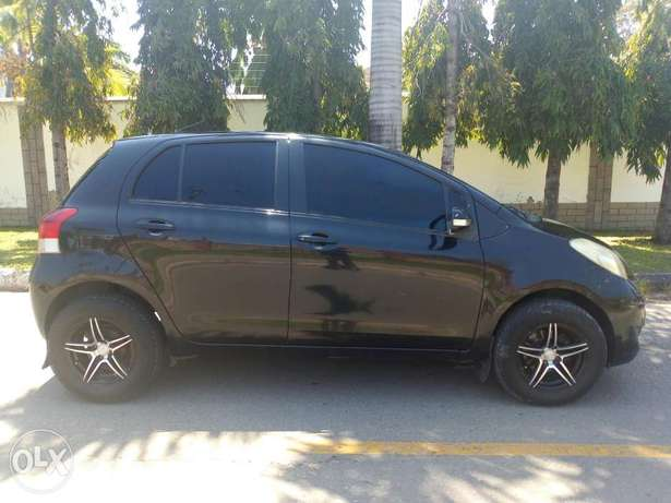 Great deal,well maintained vitz just buy and drive, service to service Kilindini - image 3